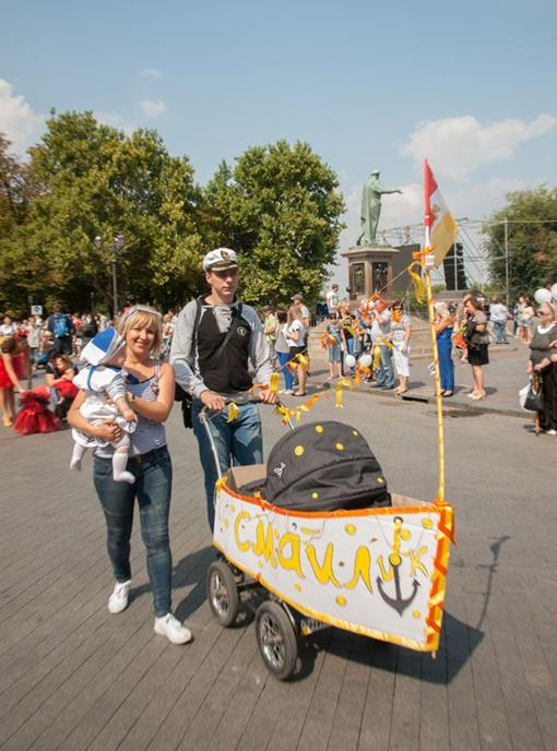 Более полусотни участников прошлись по Приморскому бульвару во время Парада колясок