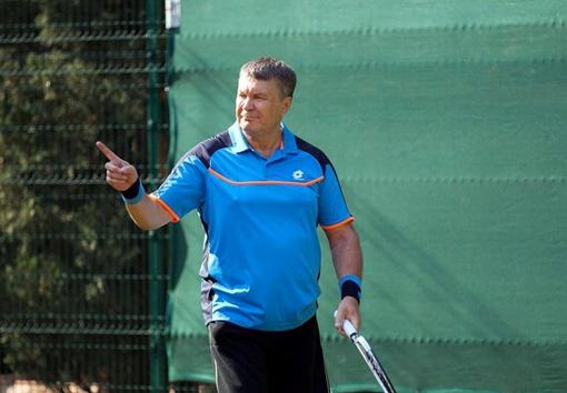 У Виктора Януковиче есть свой секрет игры в теннис.