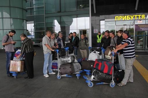 Прибытие освобожденных. Фото Олега Терещенко