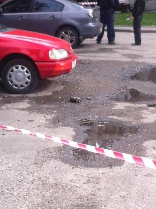 Мужчина скинул вниз взрывчатку. Фото Александра Пасечника  с сайта