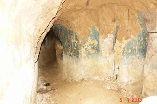 Ученые исследовали несколько коридоров скита. Фото: Ирина Голубева.