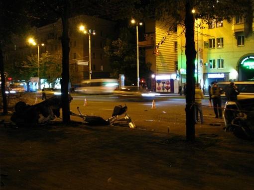 На месте ДТП погибла пассажирка. Фото: