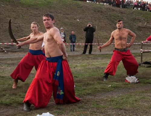 Гвоздями программы стало представление с казаками. Фото: Максим Войтенко