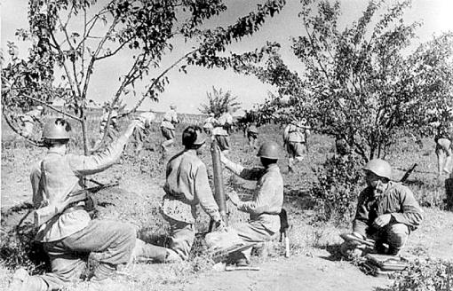 На хорошо укрепленные позиции немцев наши бойцы шли в атаку при минимальной артподдержке.