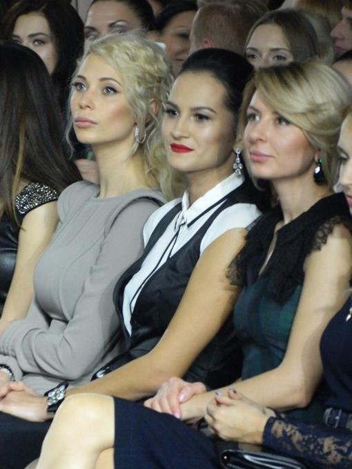 Показ дизайнера Ирины Силы посетила невестка Януковича (в сером костюме), фото: Алиса ТИТКО