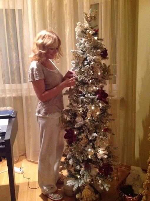 Так выглядит новогоднее поздравление от Варум и Агутина. Фото: соцсети