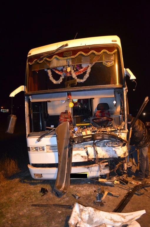 Водитель автобуса получил травмы. Фото: пресс-служба ГАИ в Харьковской области