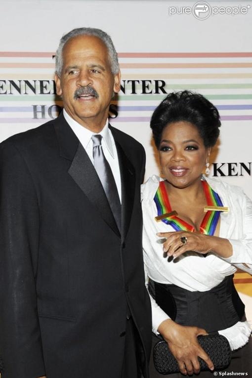 Гражданский супруг известной телеведущий намерен позвать ее замуж во второй раз. Фото: purepeople.com