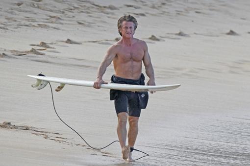 Бывший супруг Мадонны обожает серфинг. Фото: starslife.ru