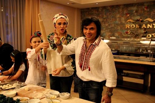 Ольга Сумская показала свой рецепт приготовления кутьи. Фото: Елена Юрченко