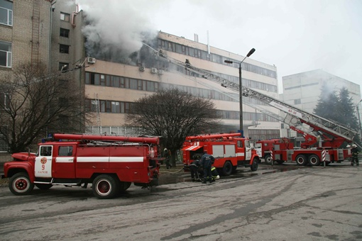 Огонь вспыхнул на одном из последних этажей. Фото: ГСЧС