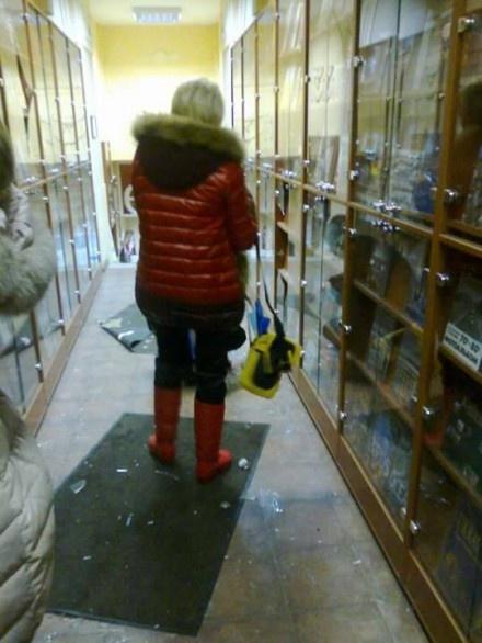 В магазине все разнесли. Фото facebook Юлии Красильниковой