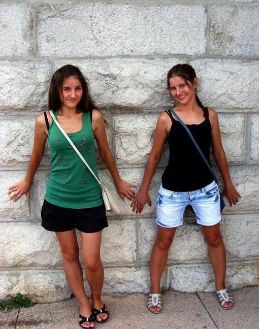 Девочки были - не разлей вода, говорят их друзья. Фото: соцсети.