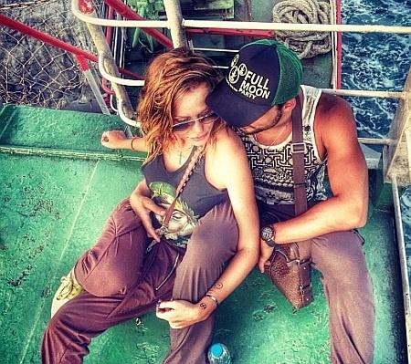 Влюбленные не расстаются ни на минуту. Фото Instagram
