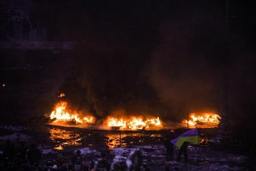 Киев в огне. Фото Олега Терещенко