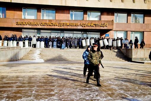В Запорожье в результате штурма в больницу попали восемь человек. Фото: Максим КРЮК