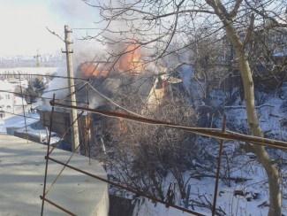 На место происшествия прибыли два пожарных отделения. Фото: magnolia-tv.com
