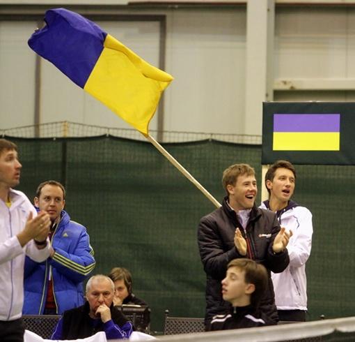 Стаховский и Марченко активно  болели за товарищей по сборной. Фото: Павел ДАЦКОВСКИЙ