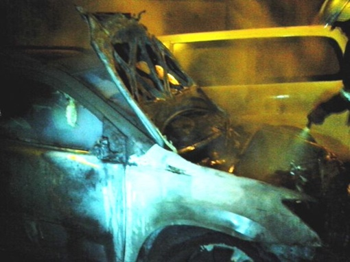 За ночь киевским пожарным пришлось тушить семь авто. Фото: Главное управление ГСЧС в Киеве.