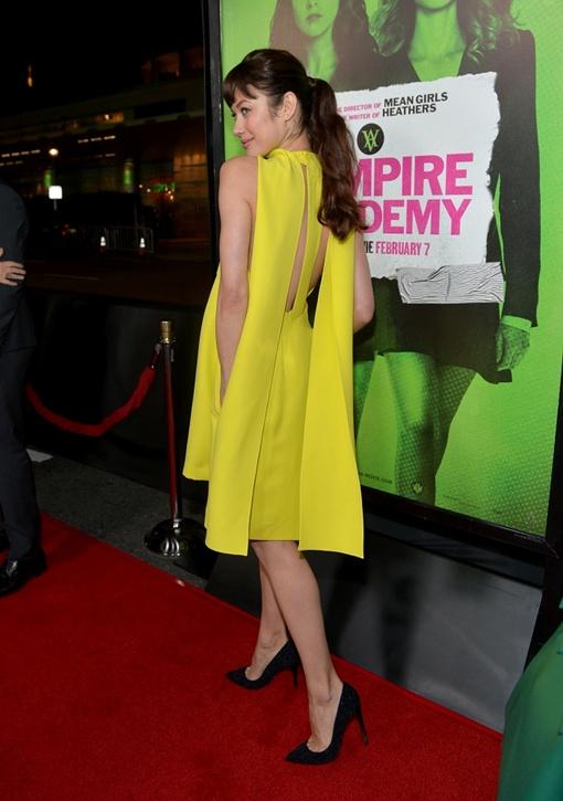 Куриленко позирует на премьере фильма. Фото: журнал Vogue