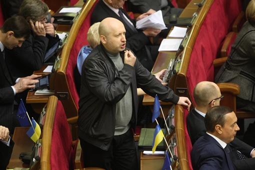 Турчинов выступает с места. Фото: Максима Люкова