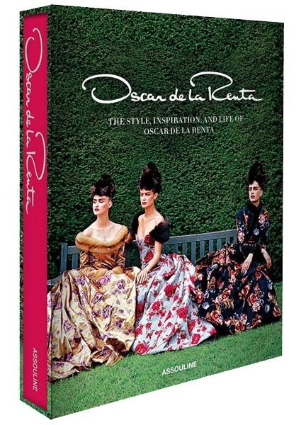 На обложке пышные платья. Фото: Vogue