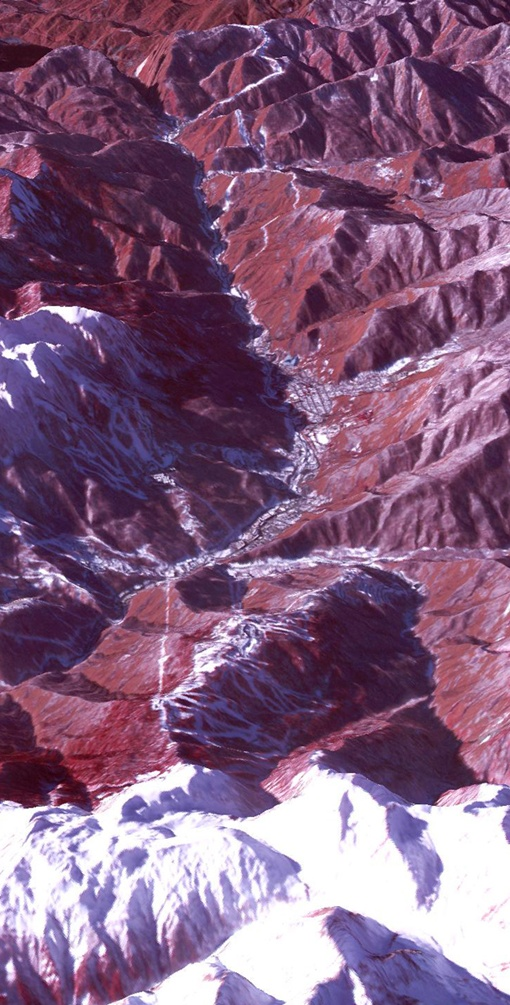 Долина горного кластера. Фото: НАСА