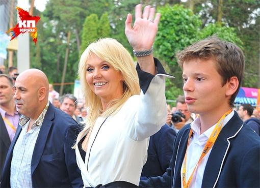 Иосиф Пригожин и Валерия с сыном Арсением. Июль 2013 г. Фото: Евгения ГУСЕВА