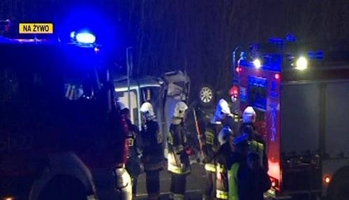 Автобус с украинцами попал в аварию в Польше в понедельник вечером. Фото: www.polskatimes.pl