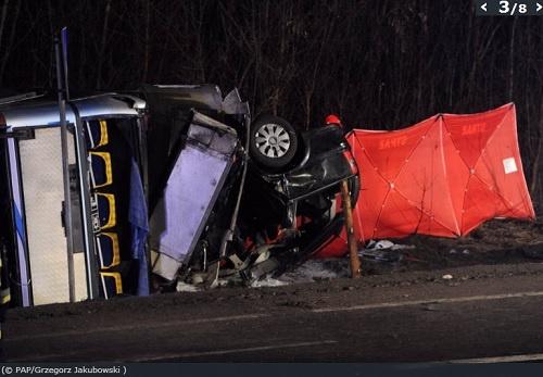 Два человека погибли, 11 ранены. Фото: www.polskatimes.pl
