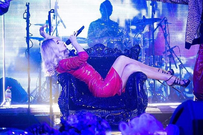 Светлана в каждом концерте выкладывается по полной, поэтому всегда в отличной форме.  Фото: пресс-служба проекта LOBODA.