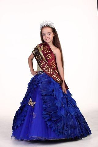 Рената Корецкая привезла из конкурса красоты два титула. фото: соцсети