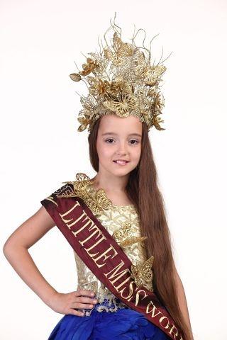 в чудо-короне: Девочка поразила своими нарядами даже видавшее виды жюри конкурса. фото: соцсети