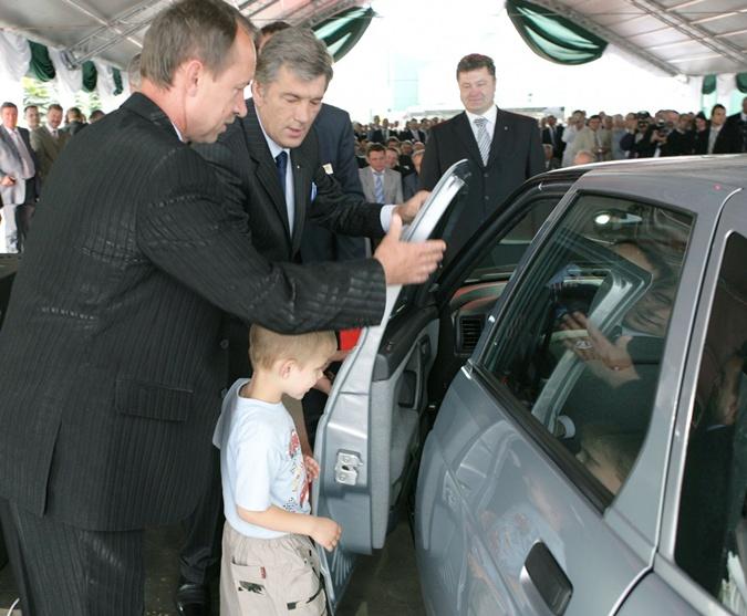 В свое время автобизнес Петра Порошенко поддерживал его кум Виктор Ющенко. Фото: Униан