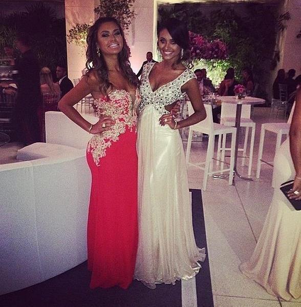 Вторые половинки Луиса Адраино (в красном платье) и Тайсона, фото: instagram.com