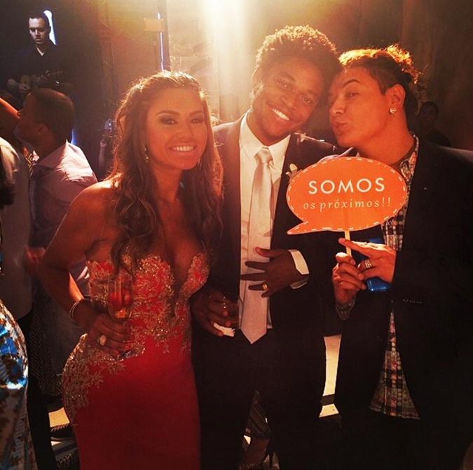 Друзья намекают, что Луису тоже нужно сделать предложение Камилле, фото: instagram.com