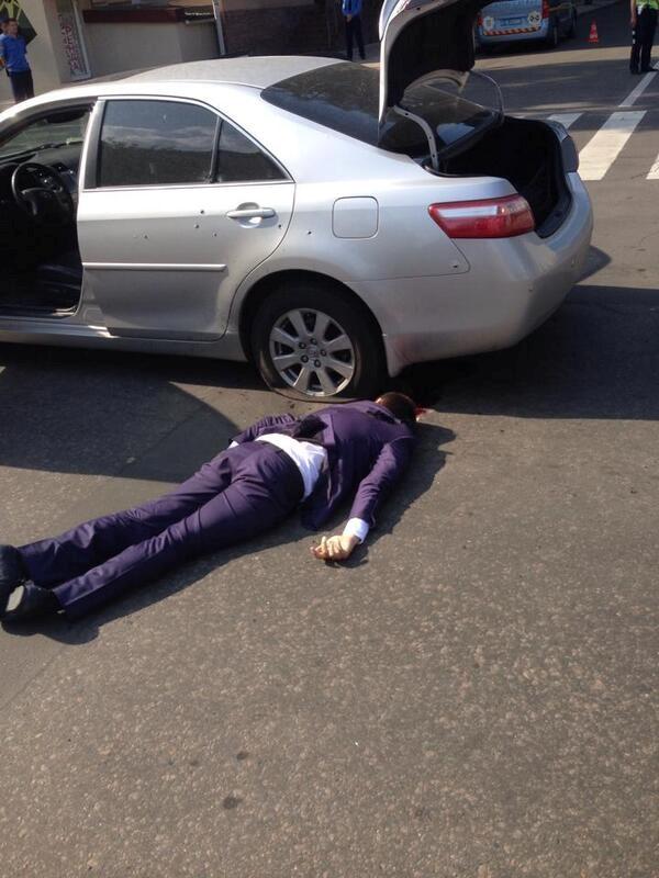 Помощник погиб на месте. Фото: twitter/@novostidnua