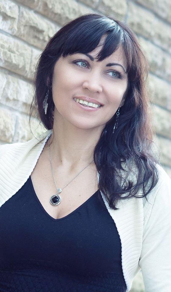 Роксана Ящук считает, что улыбка - лучшее оружие против тех, кто играет на ваших чувствах. Личный архив Роксаны Ящук.