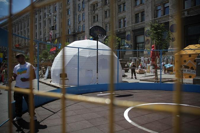Радиус площадка - 5 метров.  Фото: Олег ТЕРЕЩЕНКО.