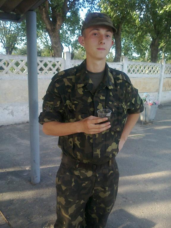 Василий исчез со станции, прихватив с собой АК-74 и четыре рожка патронов. Фото: odnoklassniki.ru