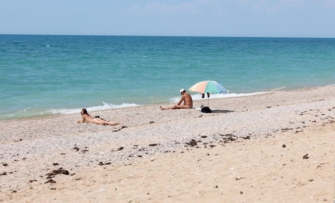 Фотографии девушек с диких пляжей 6