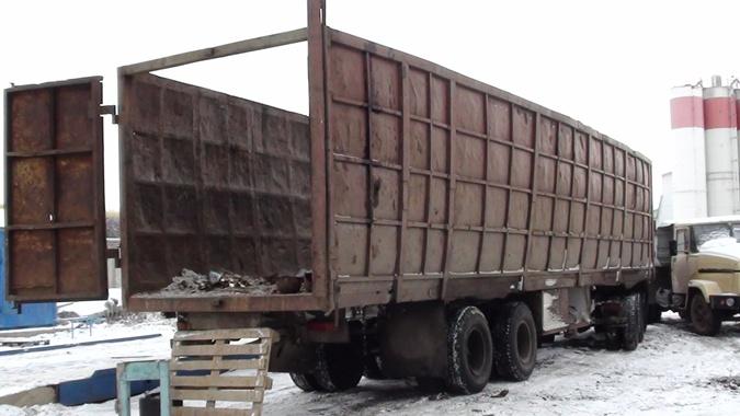 Снаряды от Смерча и Ураганов были припрятаны в Камазе. Фото: ГУ Миндоходов в Харьковской области.