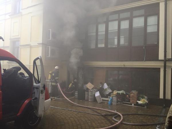 Пожарные работают на пожаре уже почти два часа. Фото соцсети