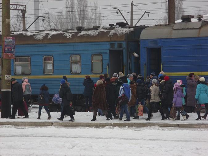 Посадка в поезд началась за час до его отправления. Фото Любовь СИДОРЕНКО