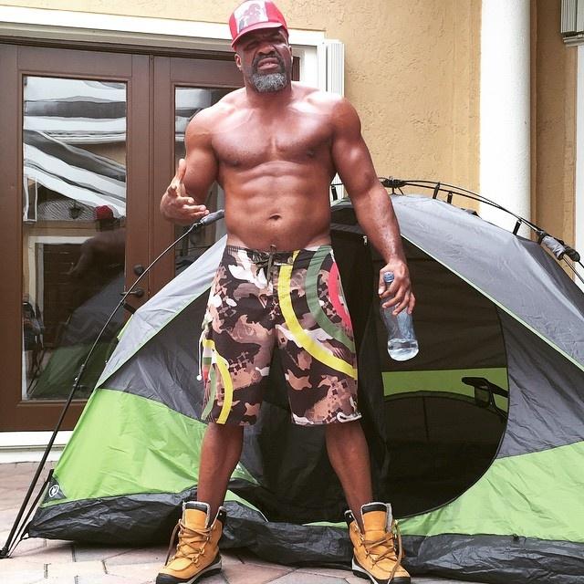 43-летний Бриггс сейчас набрал отличную форму, благодаря регулярным тренировкам.