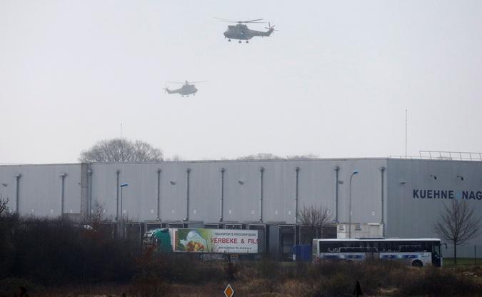 К месту захвата заложников слетаются военные вертолеты. Фото: REUTERS