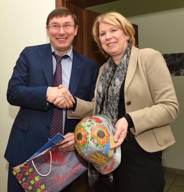 Юрий Луценко и вице-президент Европейской народной партии Корин Вортманн-Коол.