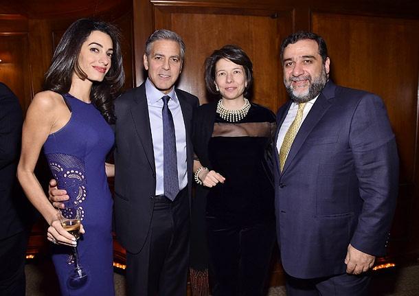 Джордж Клуни и Амаль Аламуддин с гостями вечера.