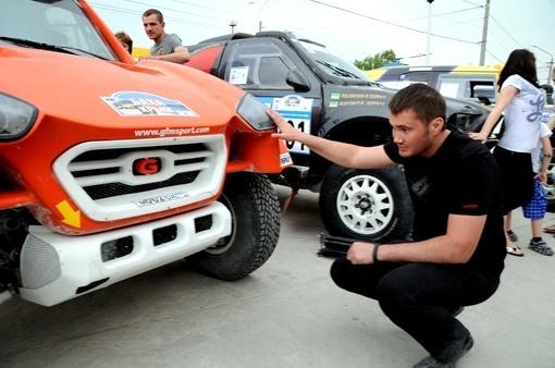 Виктор Янукови любил автомобили и быструю езду. Фото 2013 года.