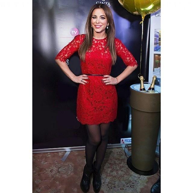 ани лорак фото в красном платье